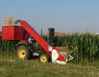 冀新牌玉米收割机、搂草机的基本保养 (262播放)
