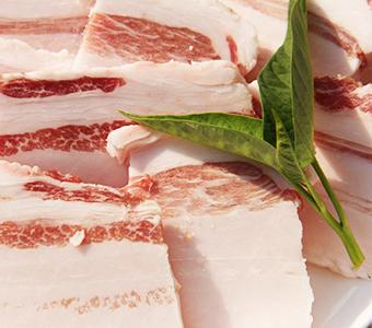 土猪五花肉 深山农家散养 煮熟食无添加 养一年左右 偏肥