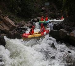 吉林红河谷漂流 (1)
